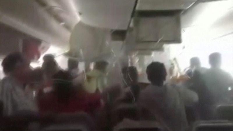 คลิปเผยนาทีอลหม่าน ภายในเครื่องบินกระแทกรันเวย์ดูไบ