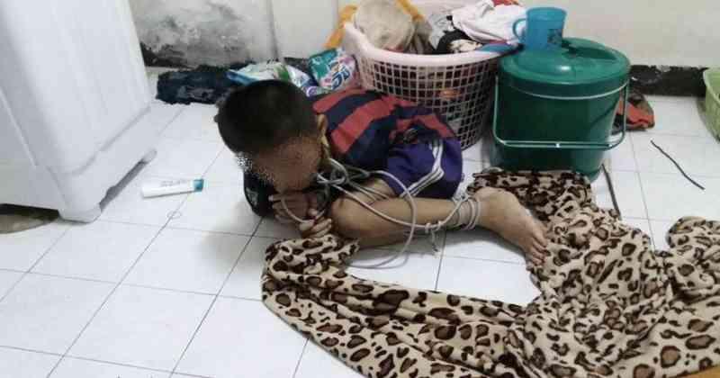 ภาพสุดเวทนา เด็กชายถูกมัดมือมัดเท้า ก่อนโดนทำแบบนี้ เพื่อนบ้านโร่แจ้งความ!