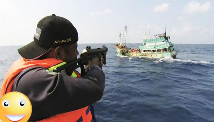ชมกันชัดๆ วินาทีสงครามไล่ล่า 'คนจับปลาทูน่า' กับเรื่องราวที่คุณอาจไม่รู้มาก่อน ทำไมพวกเขาถึงโดนจับ มาดูกัน (ชมคลิป)
