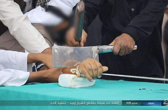 ไอเอสยังไม่เลิกแพร่ คลิปสะเทือนขวัญ ใช้มีดอีโต้ตัดมือหัวขโมย