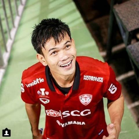 เปิด 8 อันดับ นักเตะไทย ที่มีค่าตัวแพงที่สุด!!