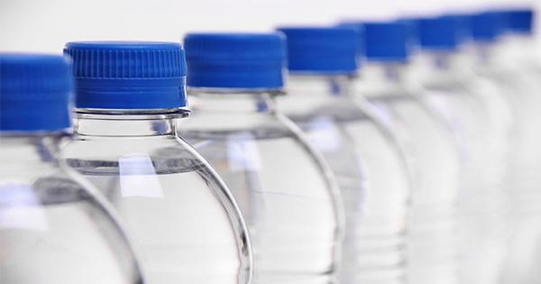 ดีเดย์  1 เมษายน นี้  กรมควบคุมมลพิษ ประกาศงดใช้พลาสติกหุ้มฝาขวดน้ำ เพื่อลดปัญหาขยะ